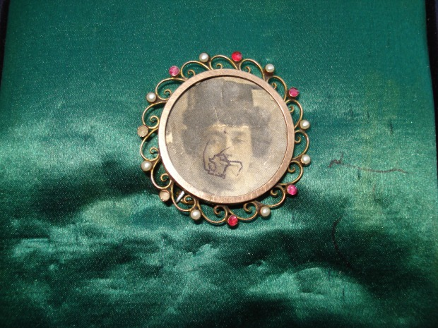 The memorial brooch to Emily Davison that Mary Leigh kept all her life