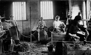 Women chainmakers at Cradley Heath
