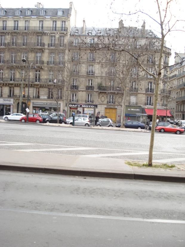11 Avenue de la Grande Armee - on right