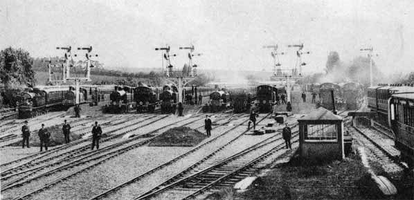 Epsom Downs station on Derby Day, 1907 (image courtesy of Nick Catford's 'Disused Stations' website)