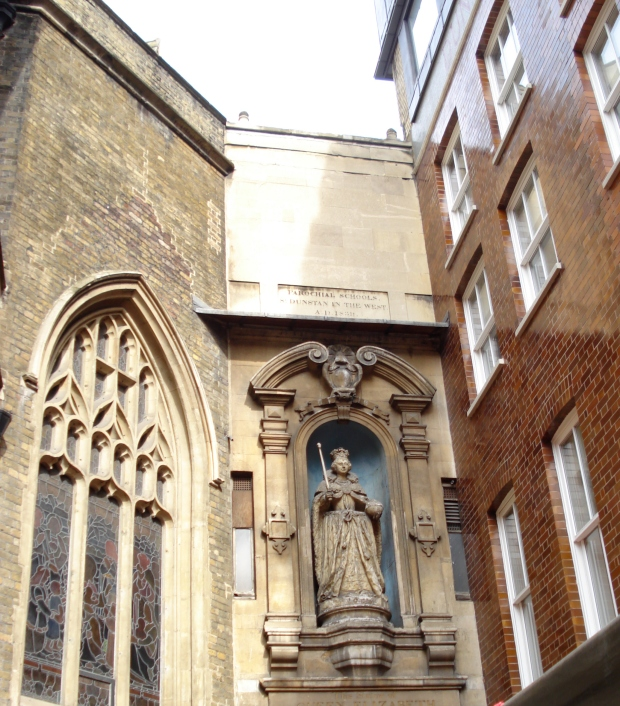 Statue of Queen Elizabeth I at St Dunstan's in the West