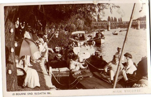 Bourne End Regatta 1911 - showing the railway bridge in the background and the grounds of The Plat on the left