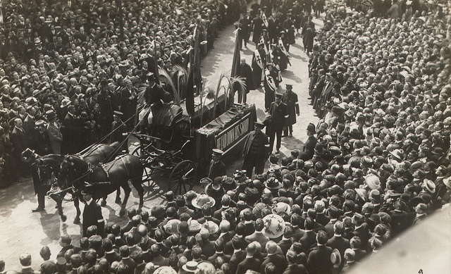 external image queen-victorias-funeral.jpeg