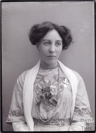 Helen Watts photographed by Col Blathwayt (photo courtesy of Bath In Time website)