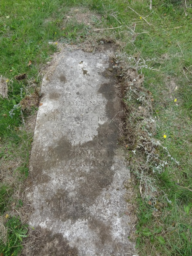 Grave of Kate and John Collins - Holtspur Cemetery, Buckinghamshire